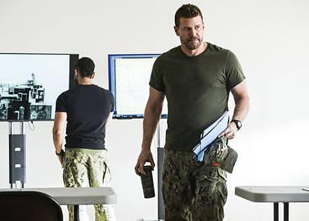 SEAL Team 2x17-05.jpg