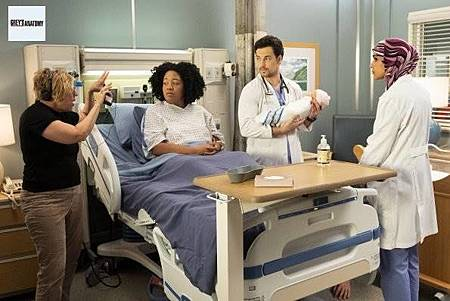 Grey's Anatomy 15x22 (25).jpg