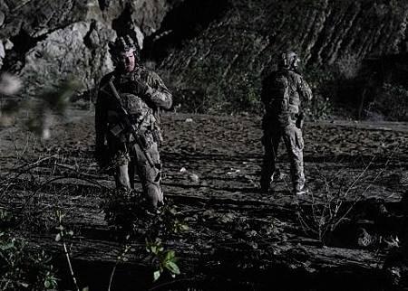 SEAL Team 2x19-10.jpg