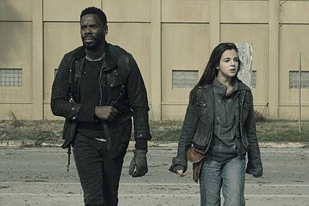 Fear the Walking Dead S05 (3).jpg