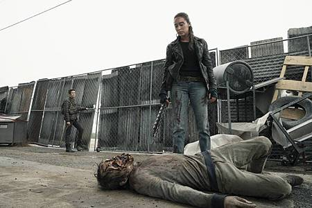 Fear the Walking Dead S05 (9).jpg
