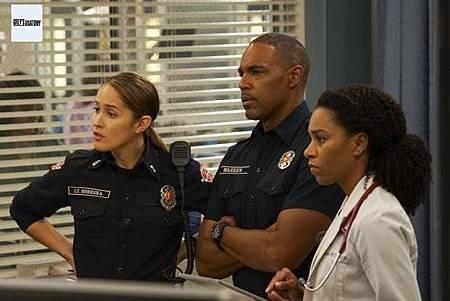 Grey's Anatomy 15x23 (1).jpg