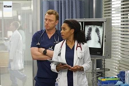 Grey's Anatomy 15x23 (2).jpg