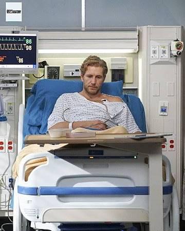 Grey's Anatomy 15x23 (5).jpg