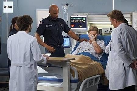 Grey's Anatomy 15x23 (7).jpg