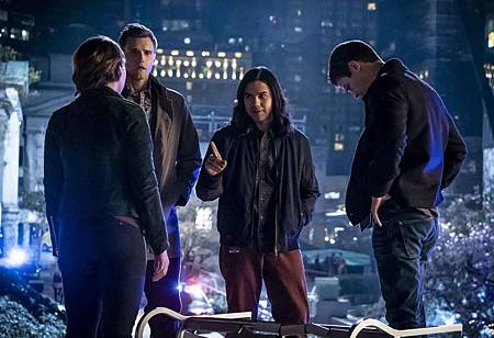 The Flash  5x21 (2).jpg