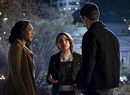 The Flash  5x21 (4).jpg