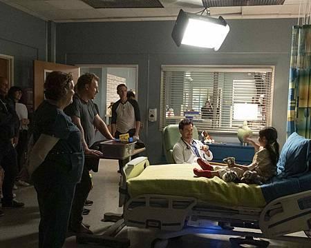 Grey's Anatomy 15x24 (6).jpg