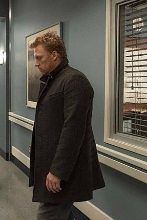 Grey's Anatomy 15x24 (7).jpg