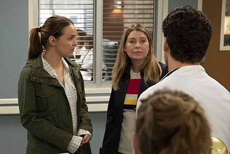 Grey's Anatomy 15x24 (10).jpg