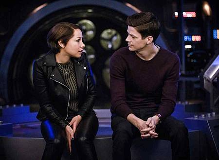 The Flash  5x22 (1).jpg