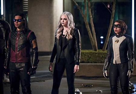 The Flash  5x22 (10).jpg