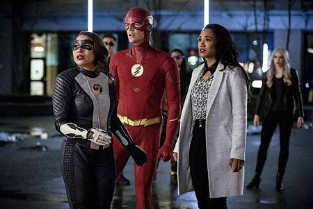 The Flash  5x22 (12).jpg