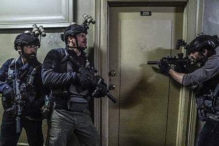 SEAL Team 2x22-25.jpg