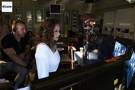 Grey's Anatomy 15x25 (7).jpg