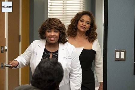 Grey's Anatomy 15x25 (12).jpg