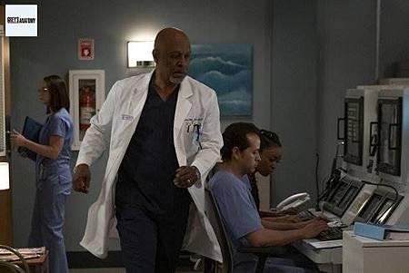 Grey's Anatomy 15x25 (13).jpg