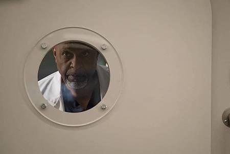 Grey's Anatomy 15x25(16).jpg