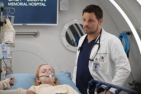 Grey's Anatomy 15x25(20).jpg