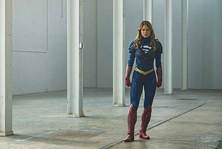 Supergirl 4x22 (9).jpg