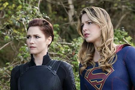 Supergirl 4x22 (16).jpg