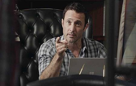 Hawaii Five-0 9x25 (7).jpg