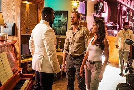 Blood & Treasure S01(13).jpg