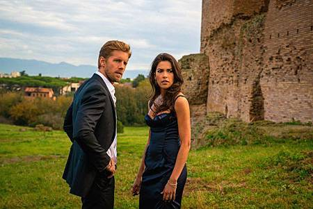 Blood & Treasure S01(15).jpg