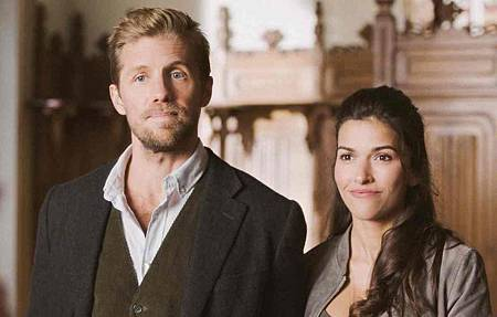 Blood & Treasure 1x4 (13).jpg
