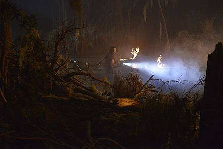 Swamp Thing S01 (7).jpg