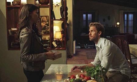 Blood & Treasure 1x5 (33).jpg