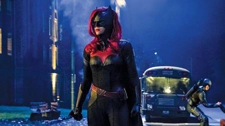 Batwoman 1x1 (17).jpg