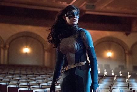 Supergirl 5x1 (5).jpg
