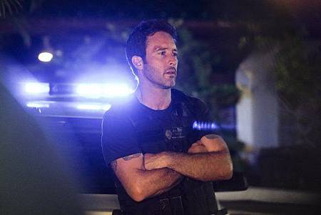 Hawaii Five-0 10x1 (1).jpg