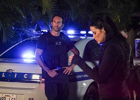 Hawaii Five-0 10x1 (2).jpg