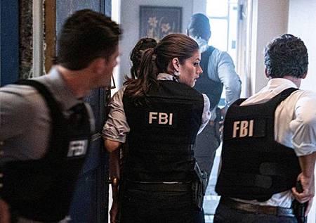FBI 2x1 (5).jpg