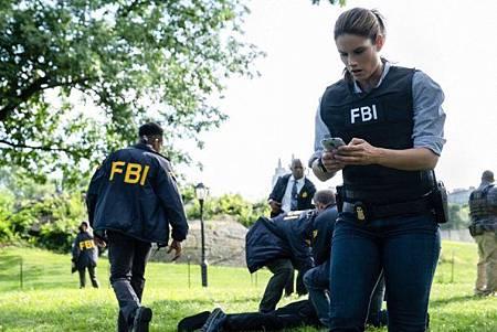 FBI 2x1 (18).jpg
