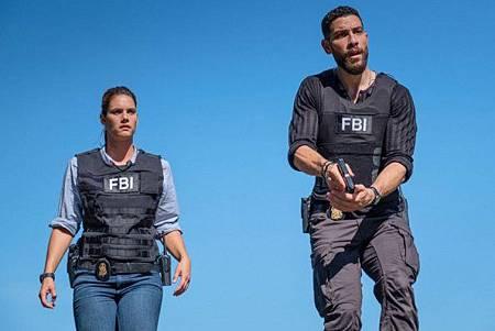 FBI 2x1 (21).jpg
