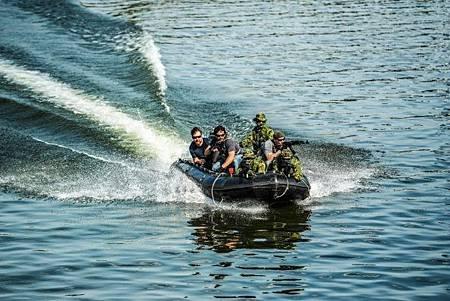 SEAL Team 3x1 (18).jpg