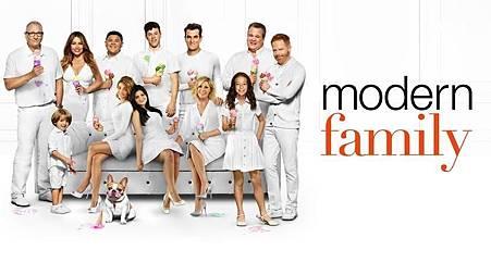 Modern Family 11x1 (1).jpg