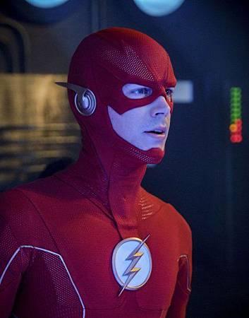 The Flash 6x1 (7).jpg