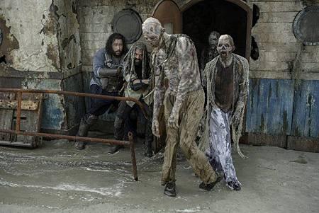 The Walking Dead S10 (14).jpg