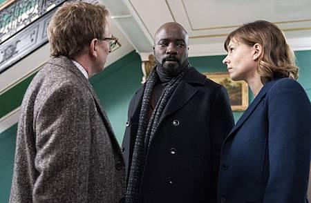 Evil 1x1 (22).jpg