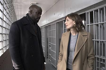 Evil 1x1 (32).jpg