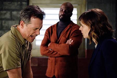 Evil 1x1 (42).jpg