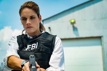FBI 2×2 (13).jpg