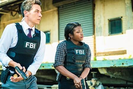 FBI 2×2 (21).jpg