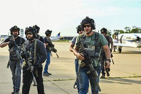 SEAL Team 3x02-06.jpg