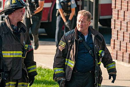 Chicago PD 7×4 (19).jpg