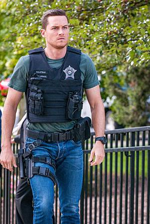 Chicago PD 7×4 (23).jpg